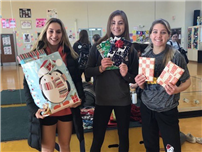 Northport Cheerleaders Become Cheer-Spreaders this Holiday Season photo